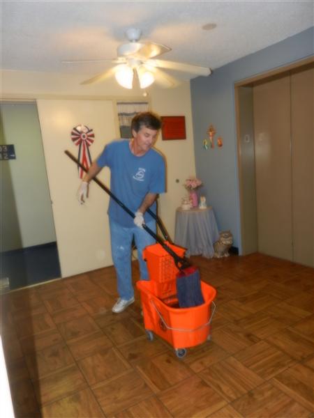Brad mopping